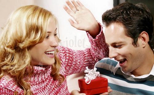 Что подарить мужчине на День Святого Валентина?