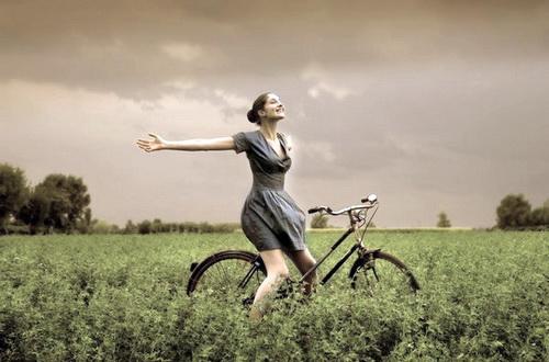 Чем полезен велосипед для девушки